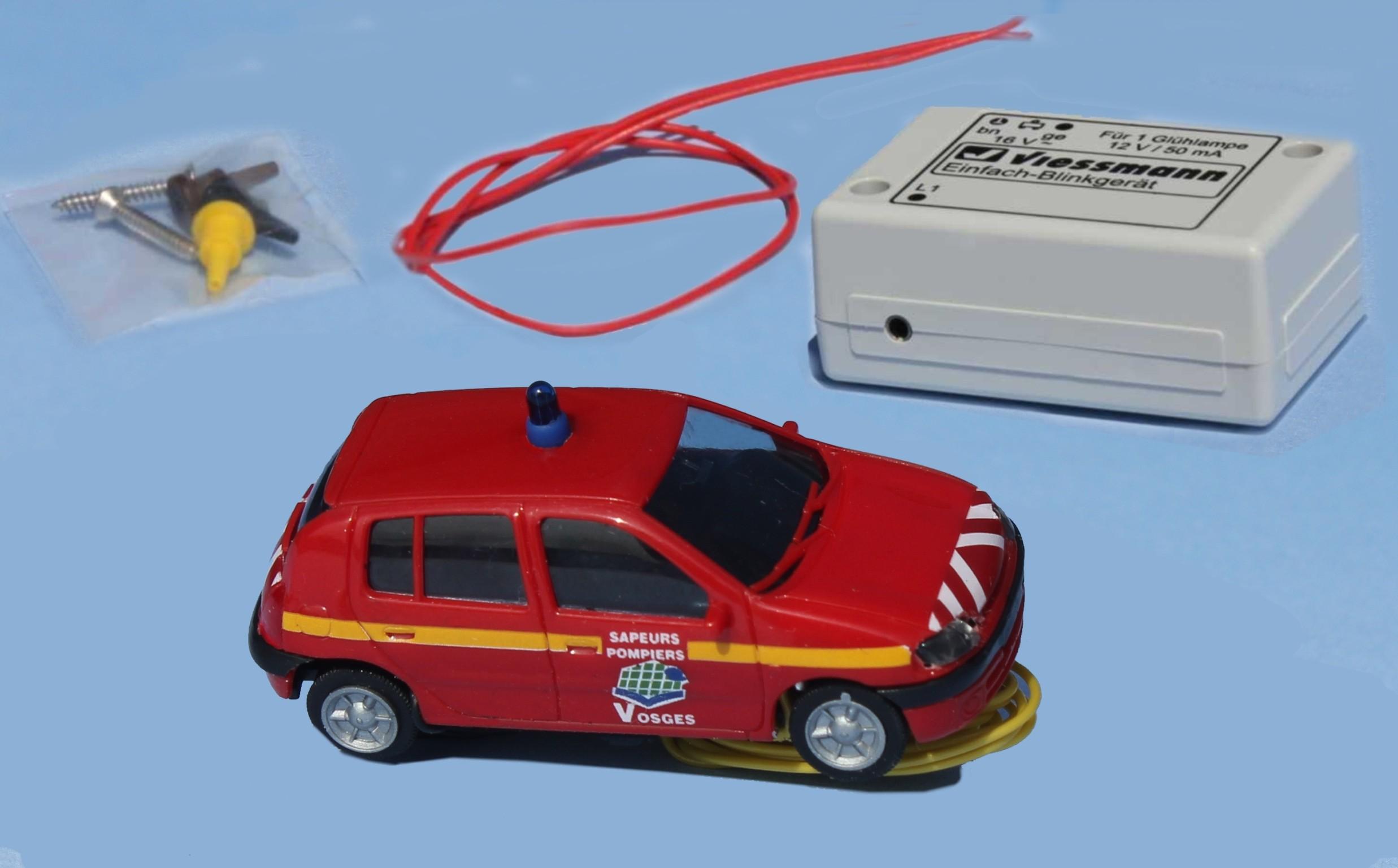 sai 927 renault clio 2 pompiers des vosges avec gyrophare clignotant fonctionnel et phares. Black Bedroom Furniture Sets. Home Design Ideas